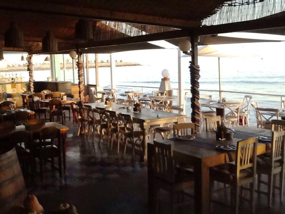 El vivero beach club restaurant comer en sitges for Viveros barcelona